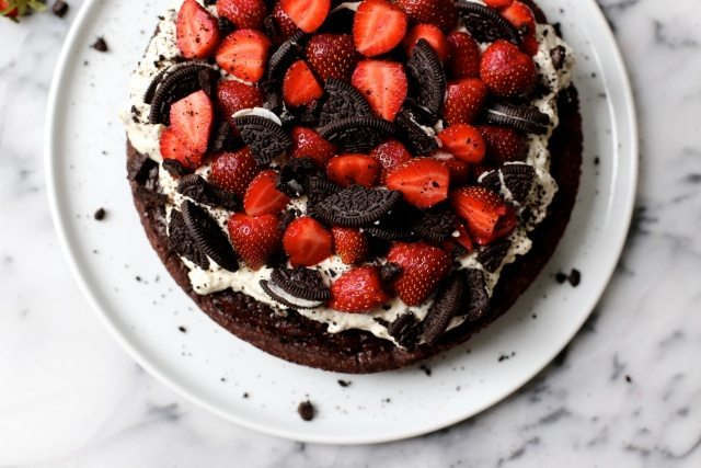 Strawberry Cookies and Cream Cake