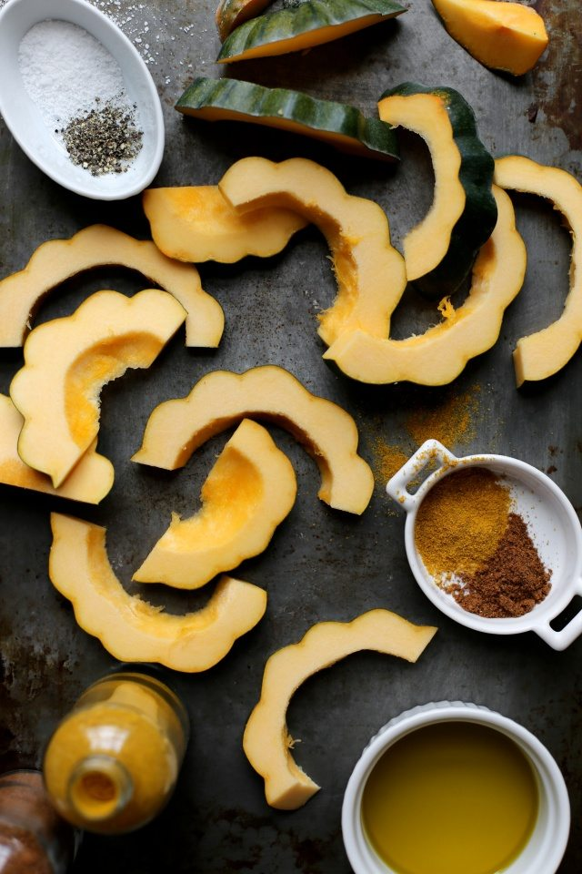 curry roasted acorn squash (1)